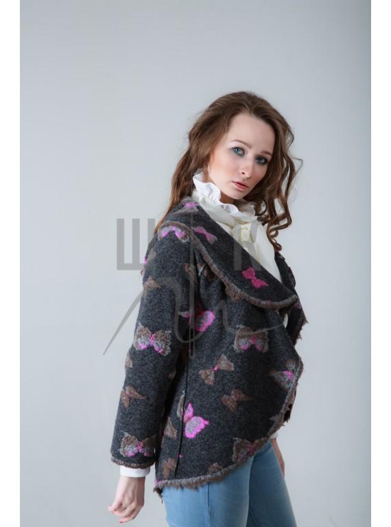 Пальто укороченное, цвет серый с бабочками
